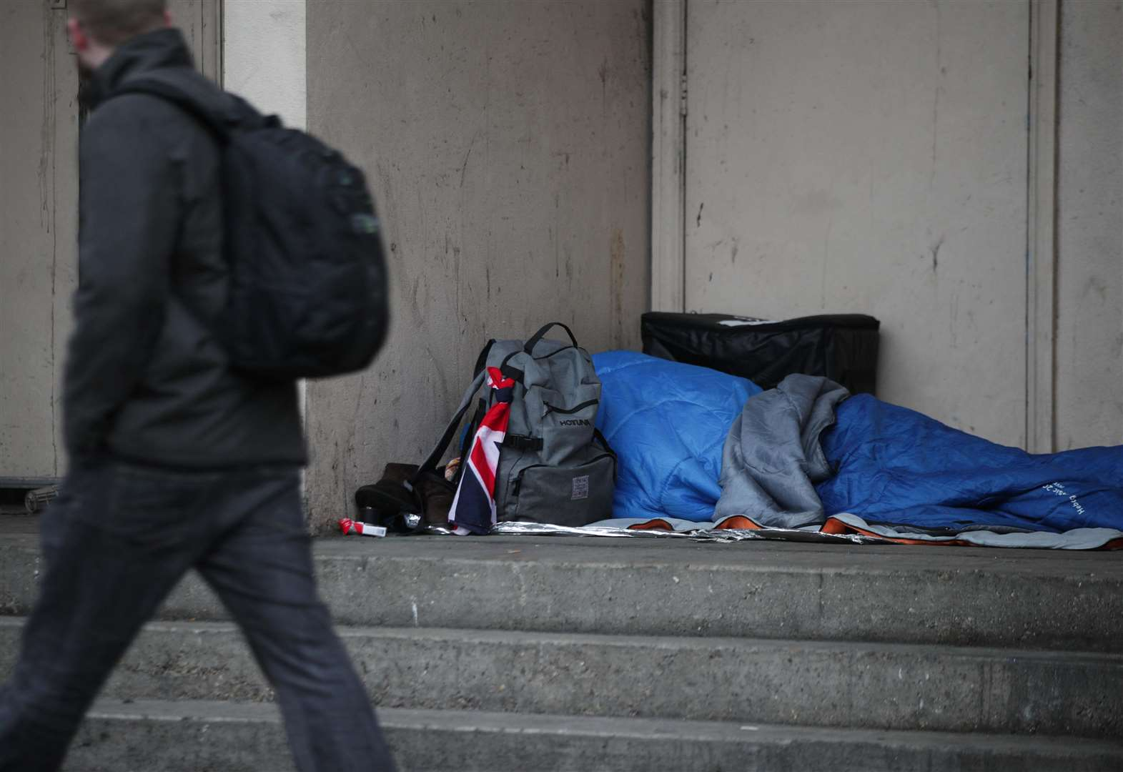 Beggars and rough sleepers face £100 fines