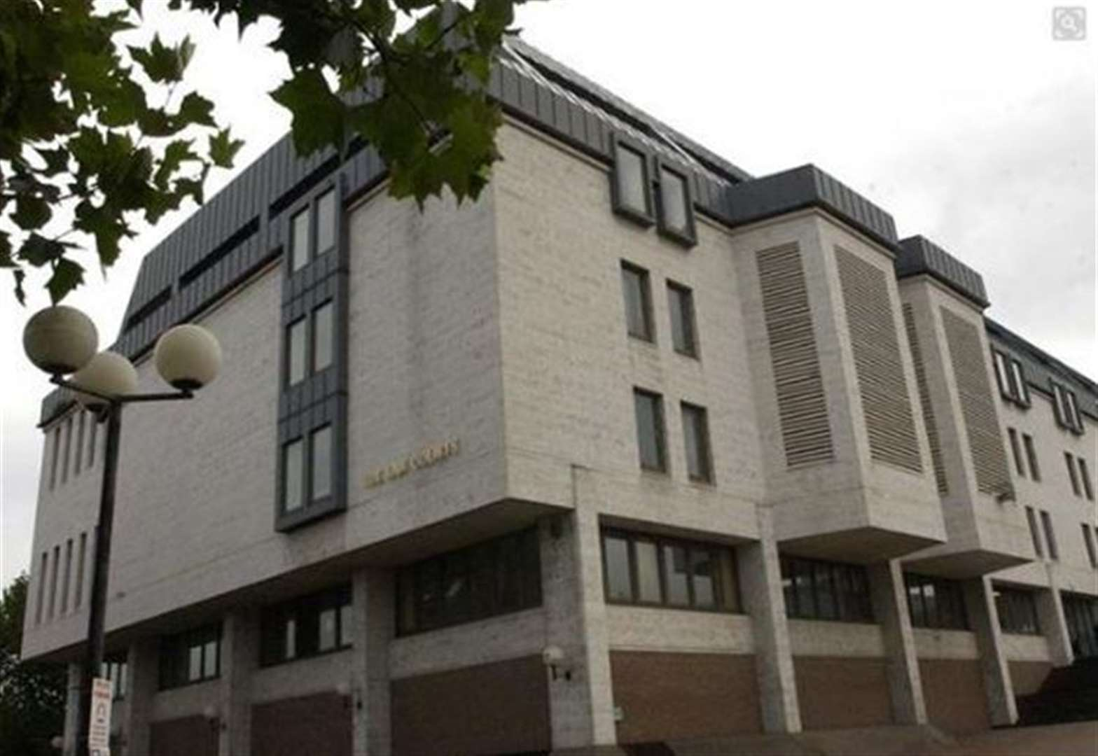 Jail for drug addict who told ex he'd cut off her head