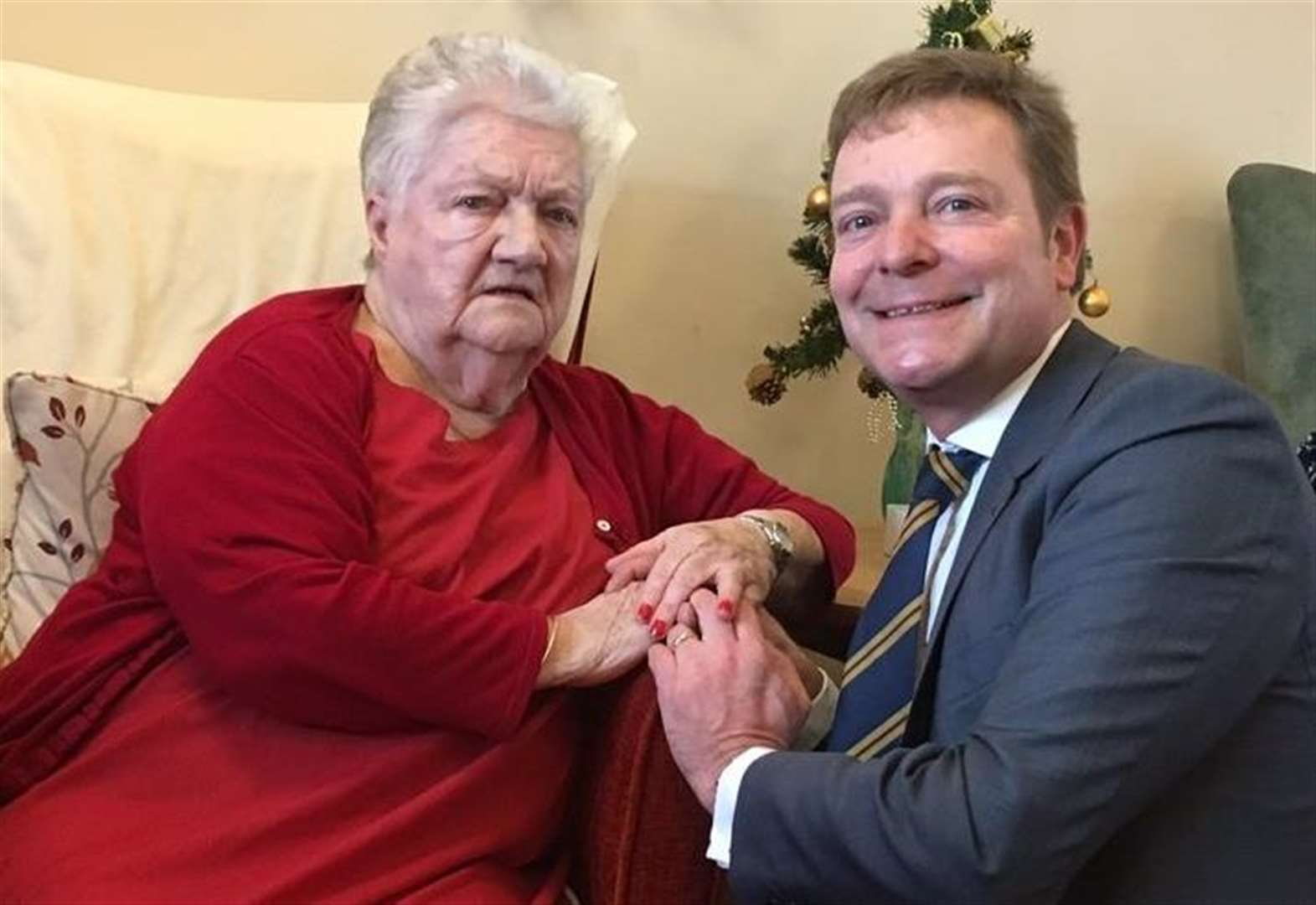 MP's festive visit to ex-service people