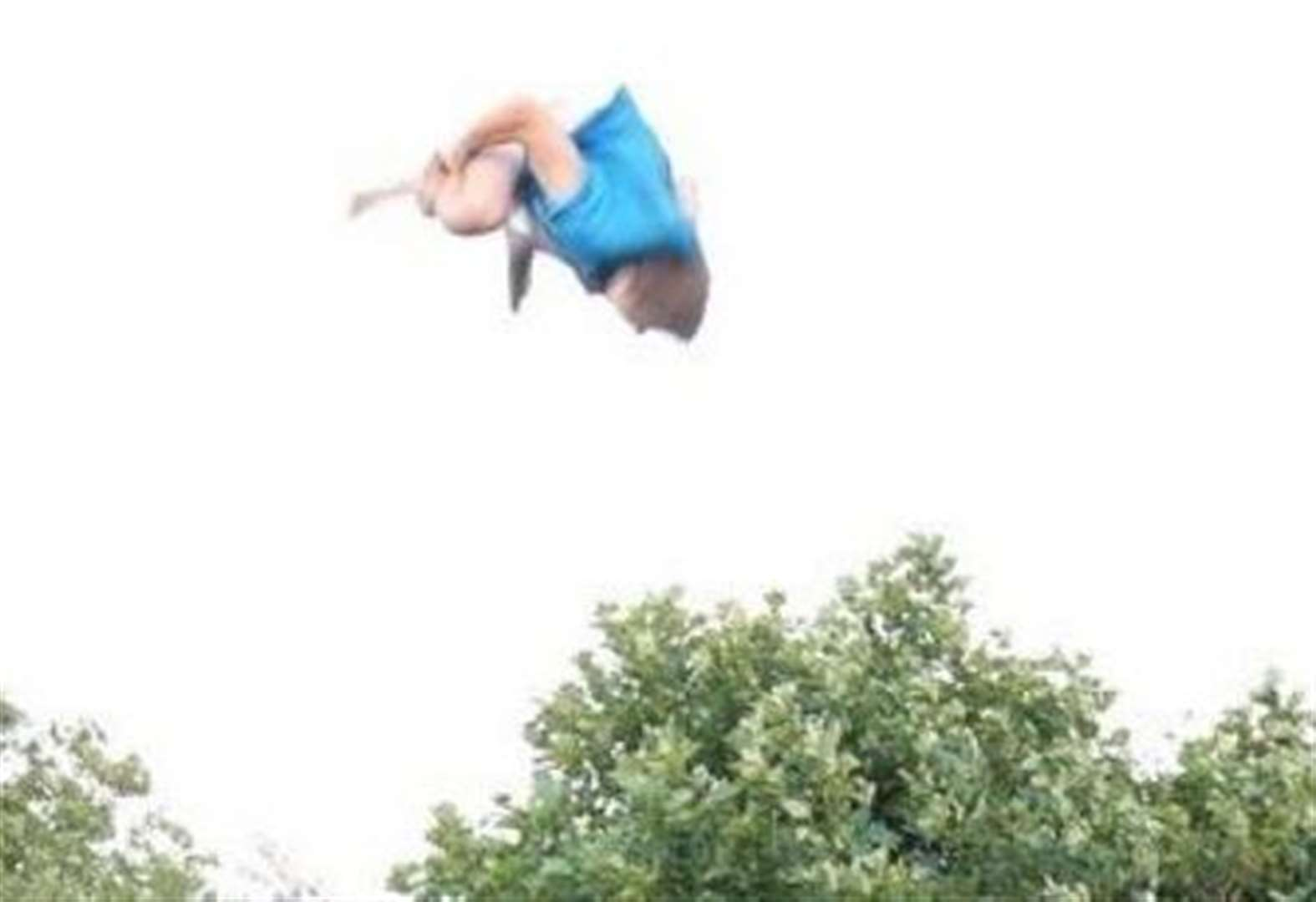 Daredevil teen's six-spin somersault