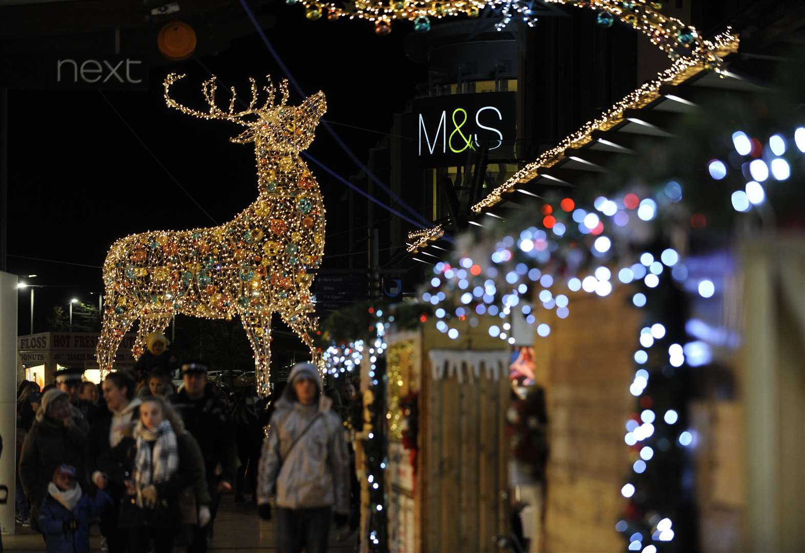 Popular shopping centre reveals Christmas opening hours