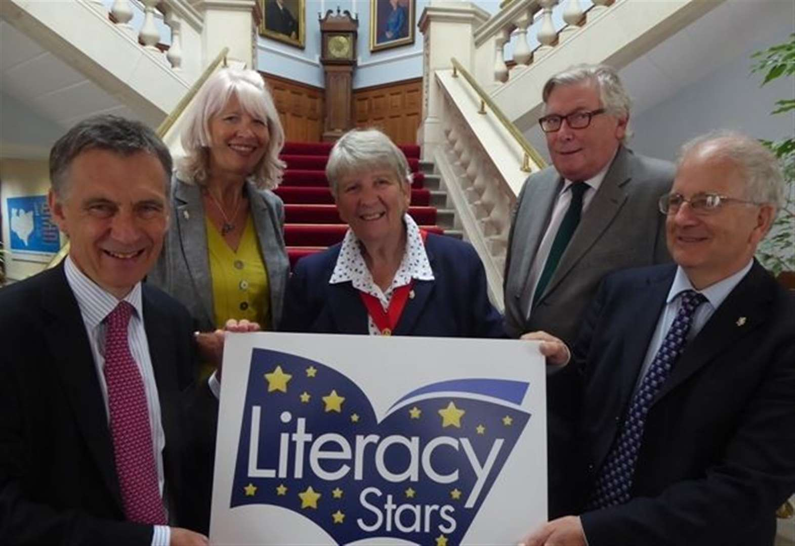 Councillor cash backs young literacy leaders