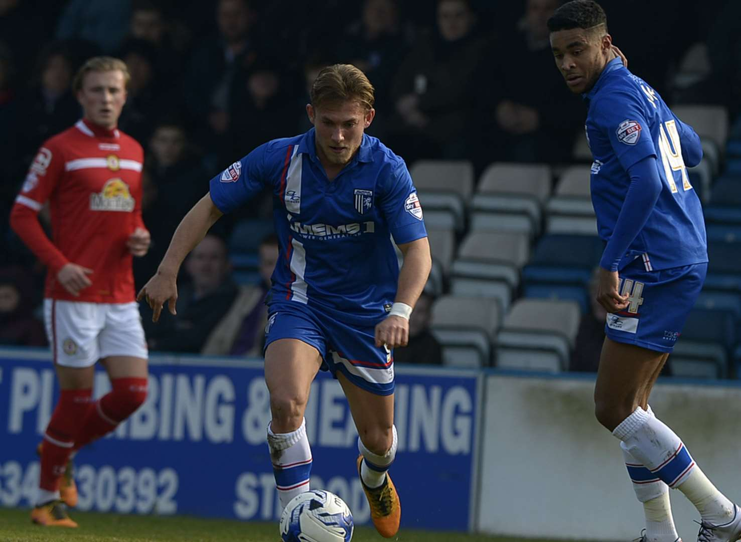 Gillingham v Crewe Alexandra - in pictures