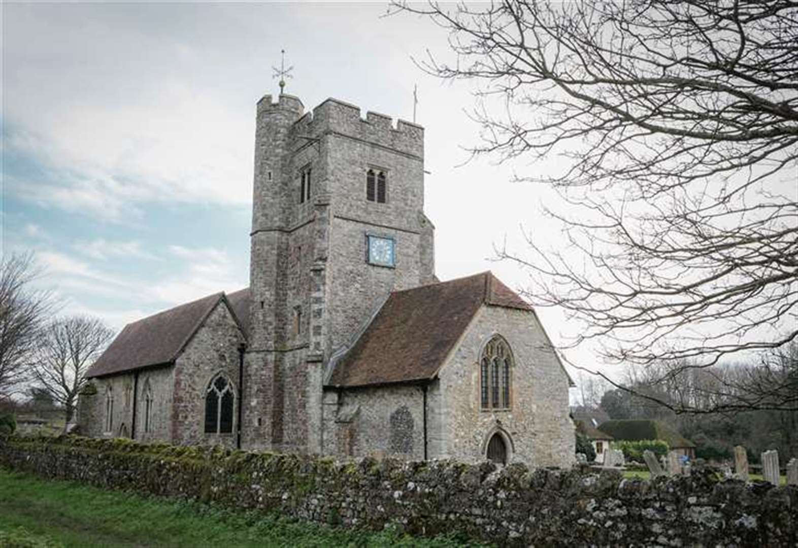 Hundreds of churches targeted by criminals