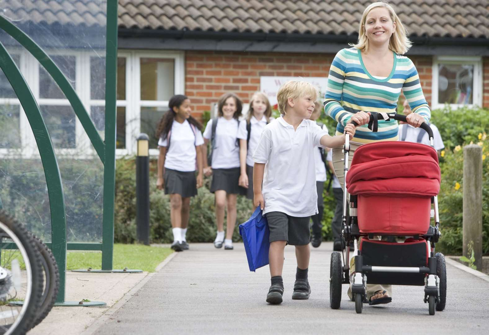 Brexit gridlock may leave children 'stranded' at school