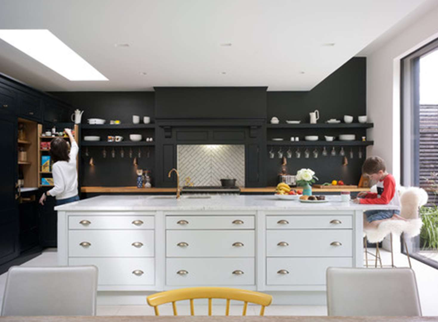Latest kitchen trend: Can you live without kitchen wall units?