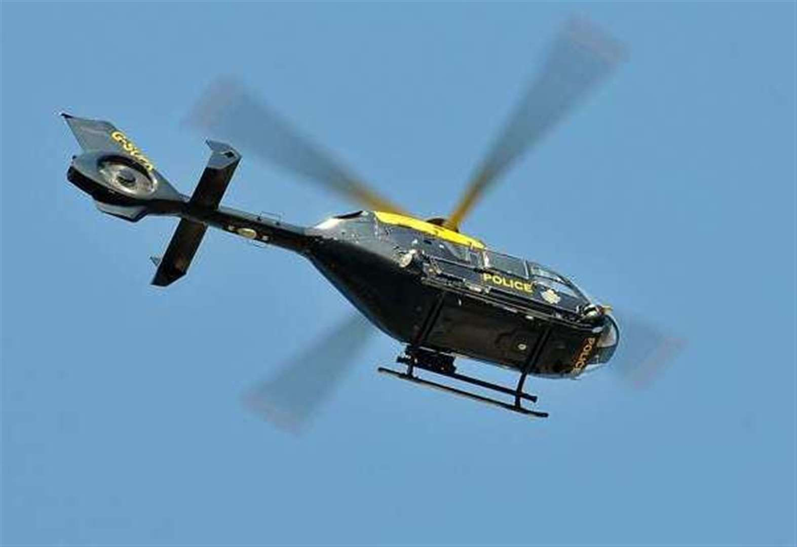 Police chopper searches country park