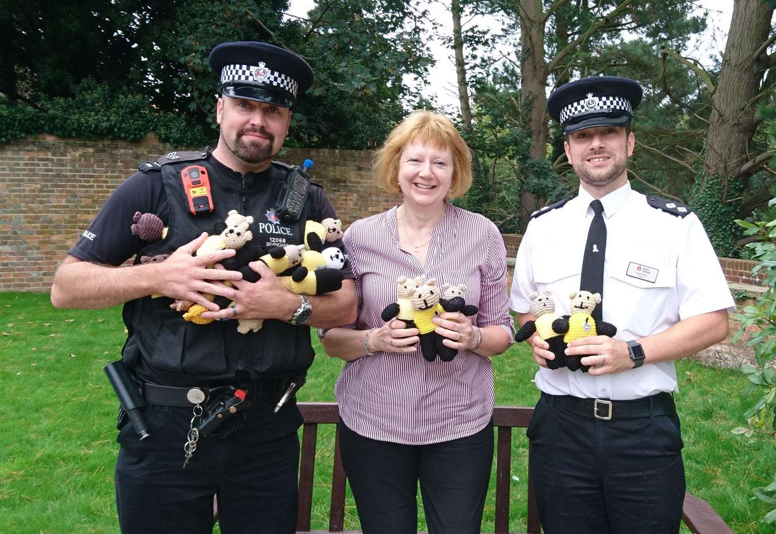 Officers to carry teddy bears to comfort distressed children