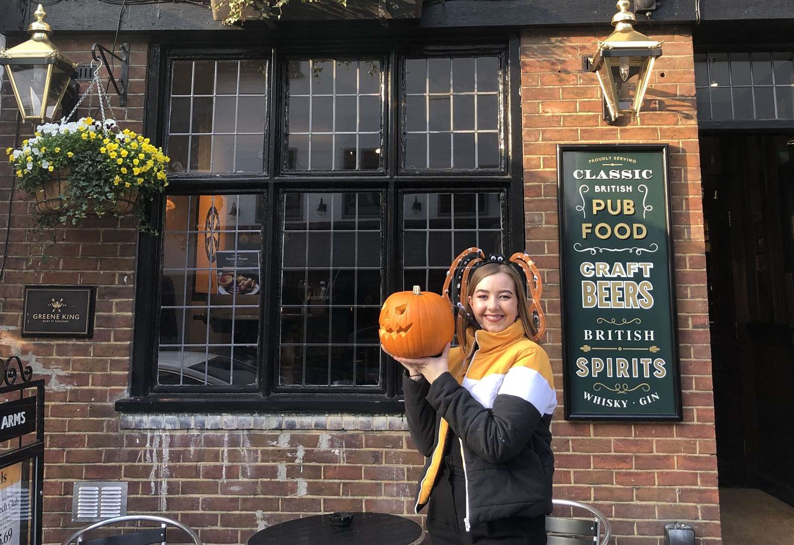 Hand in a pumpkin and get a free drink