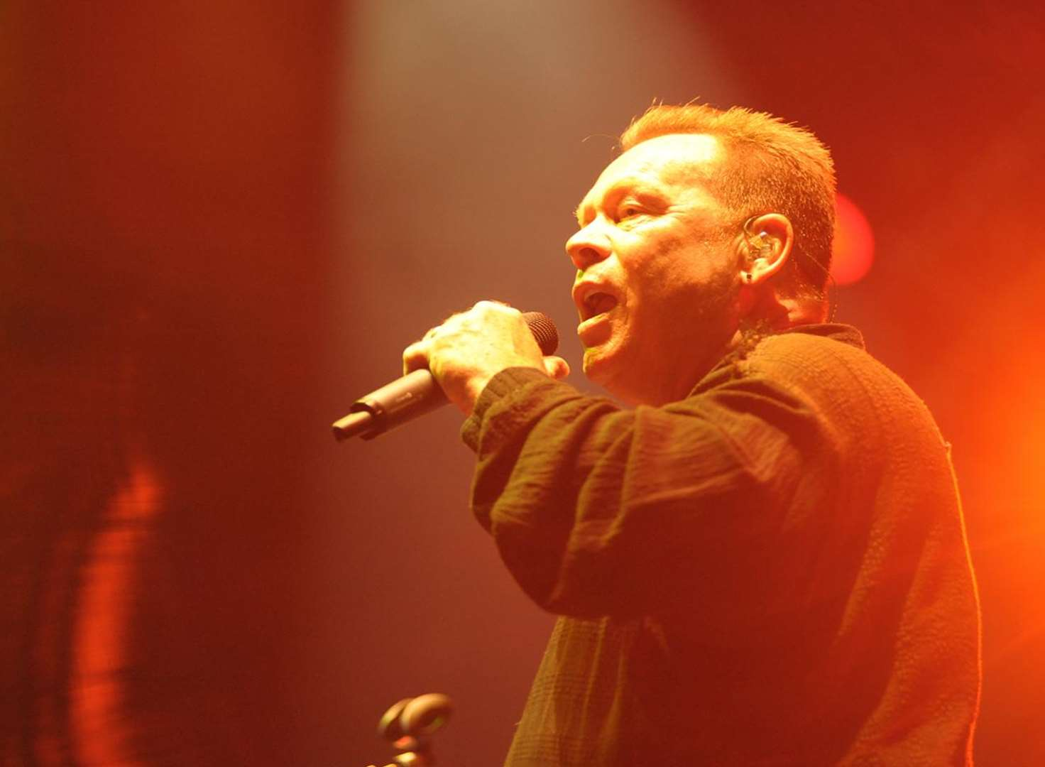 UB40 wow the Rochester crowds despite torrential downpour