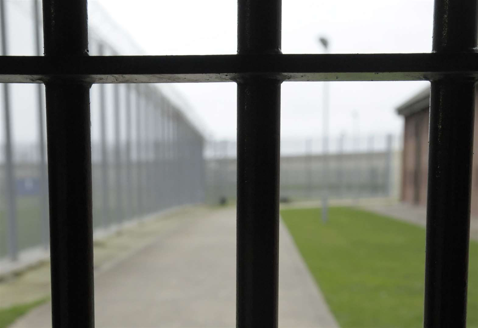 Woman prison officer had affairs with inmates