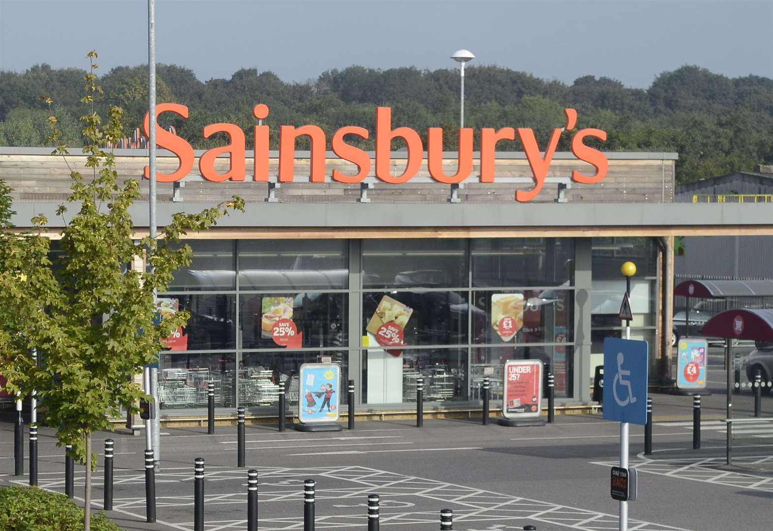 Man charged with supermarket shoplifting spree