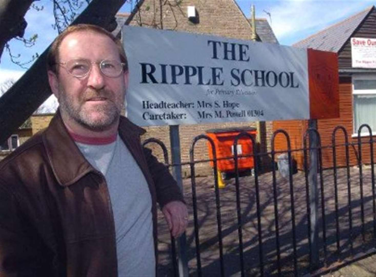'Gloves off' in fight to save 3 schools