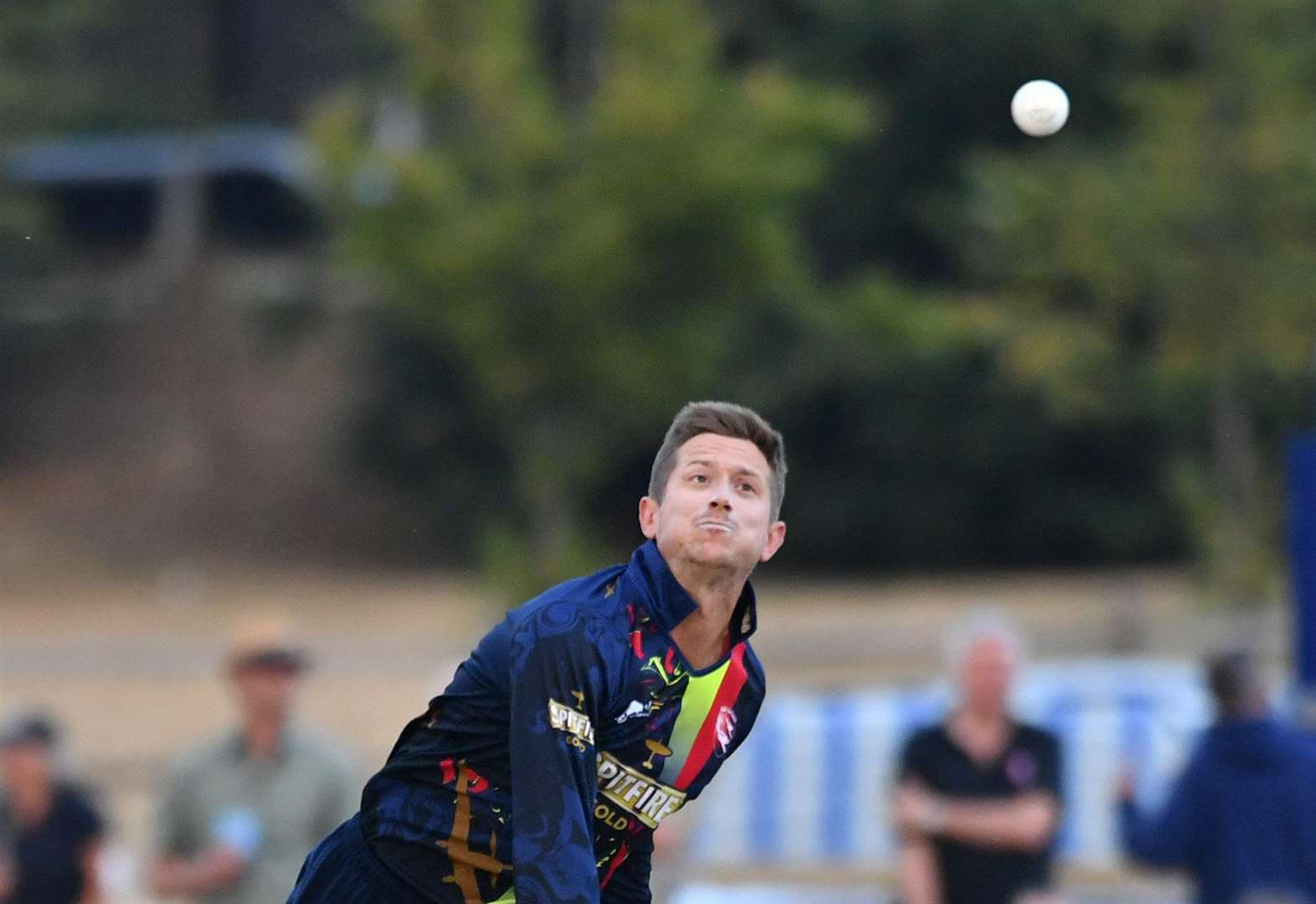 Kent move a step closer to T20 knockout stages