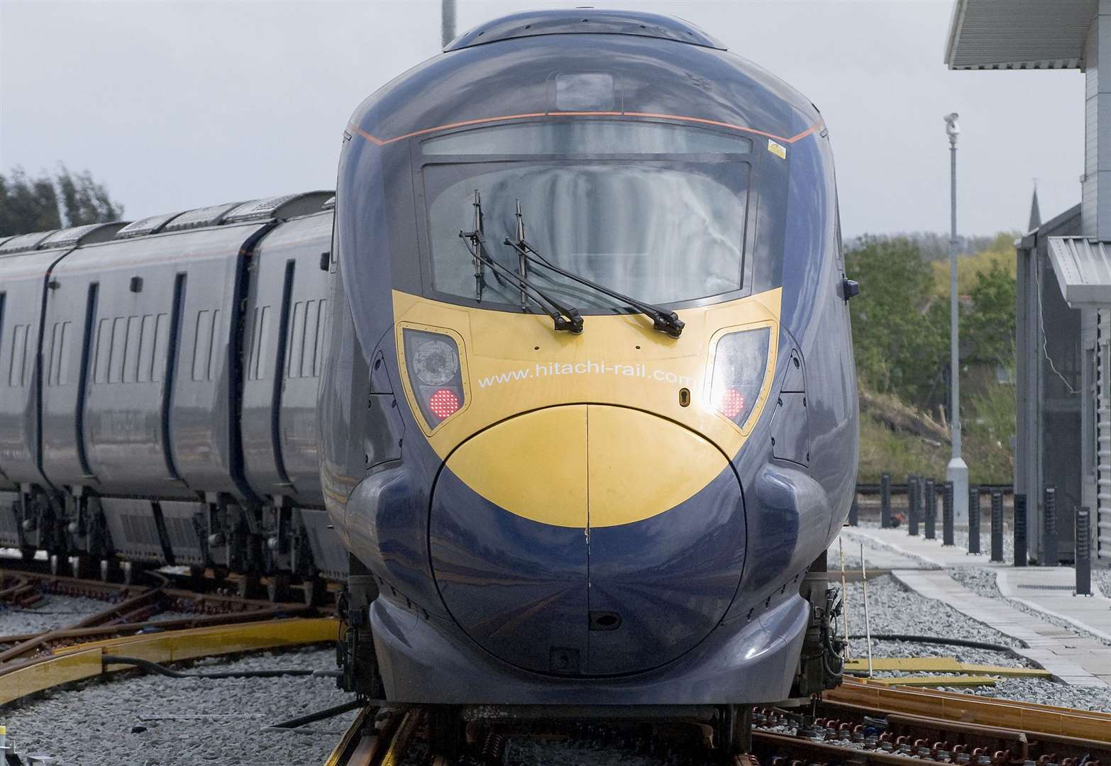 'High-speed network needs more trains'