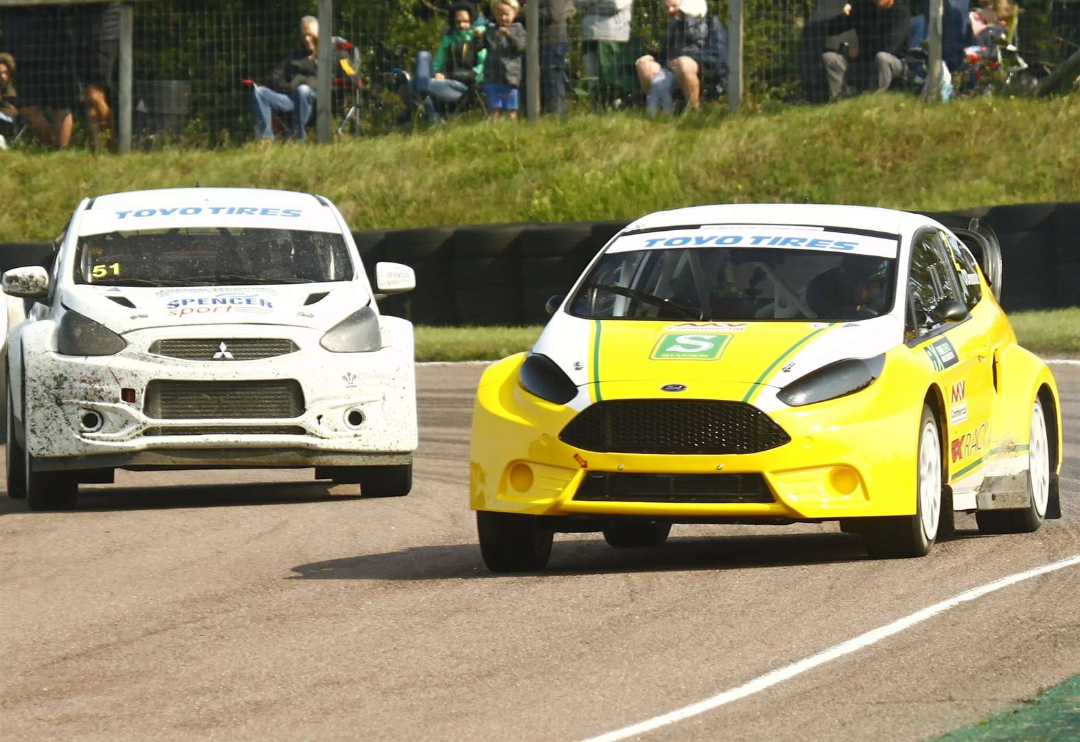 Easter thrills and spills at Lydden