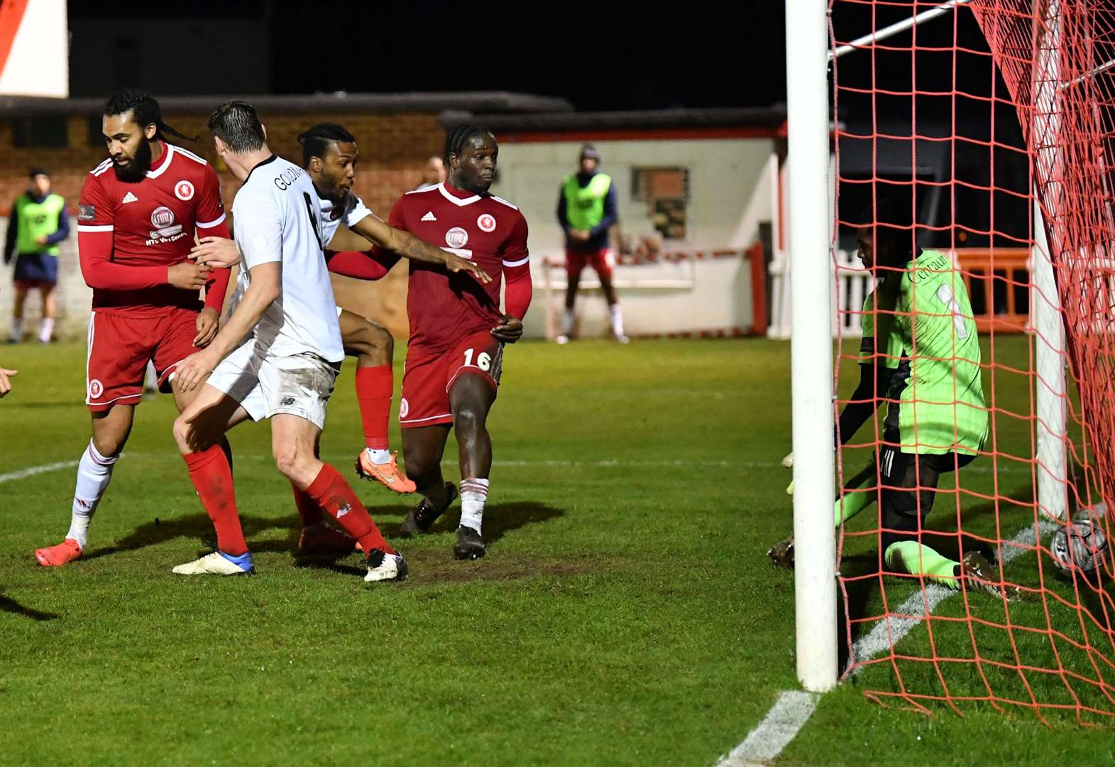 Striker Dom staying with Ebbsfleet