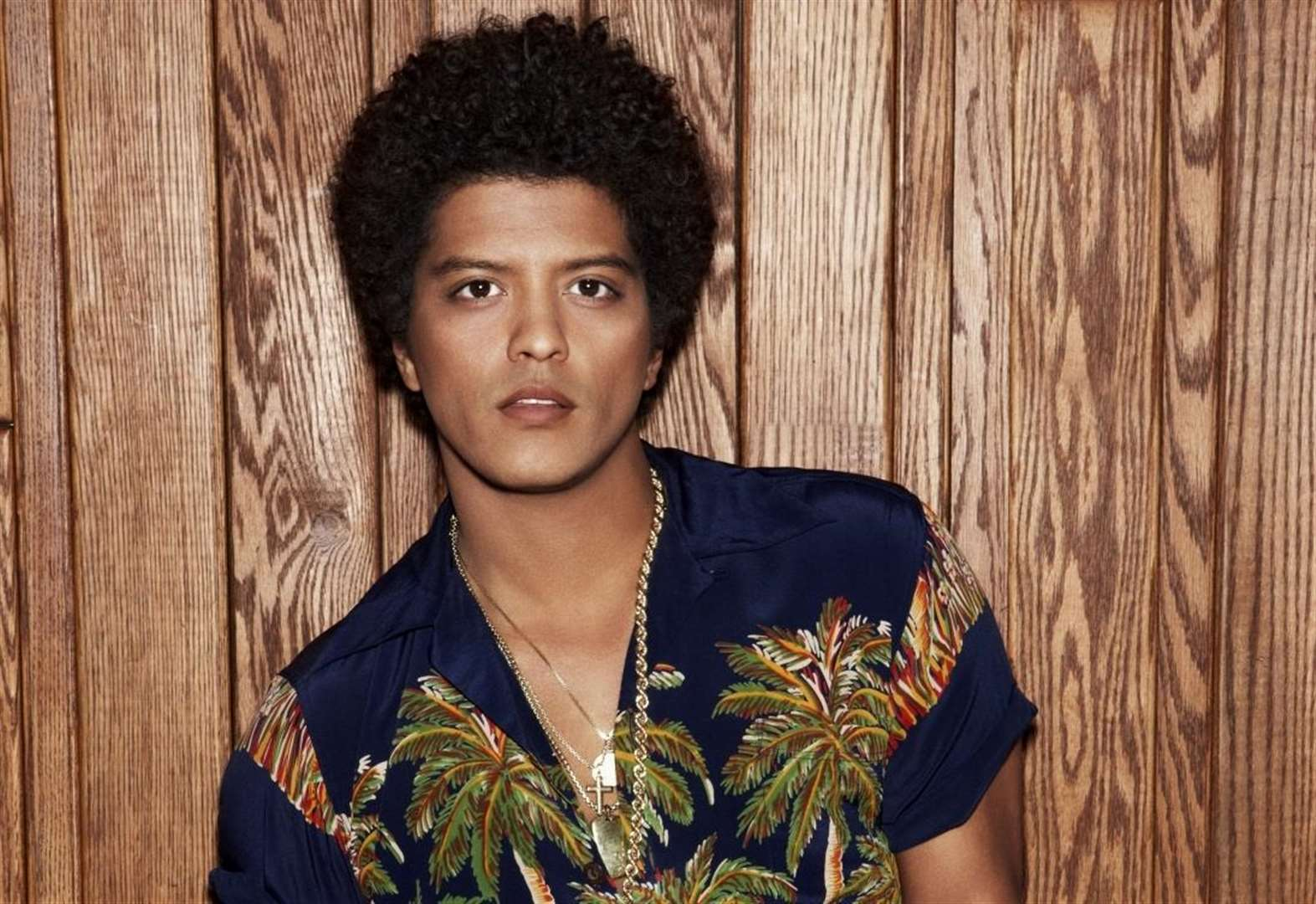kmfm give away trip to see Bruno Mars in LA