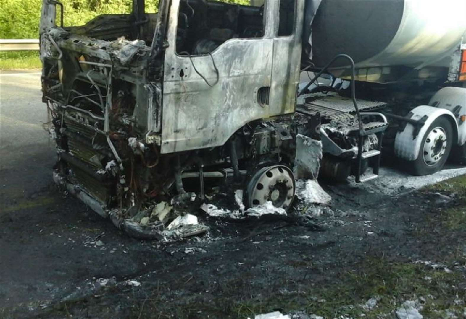 Lorry fire closed M25