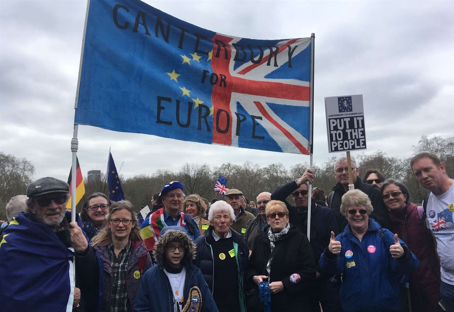 Hundreds head to London for Brexit march