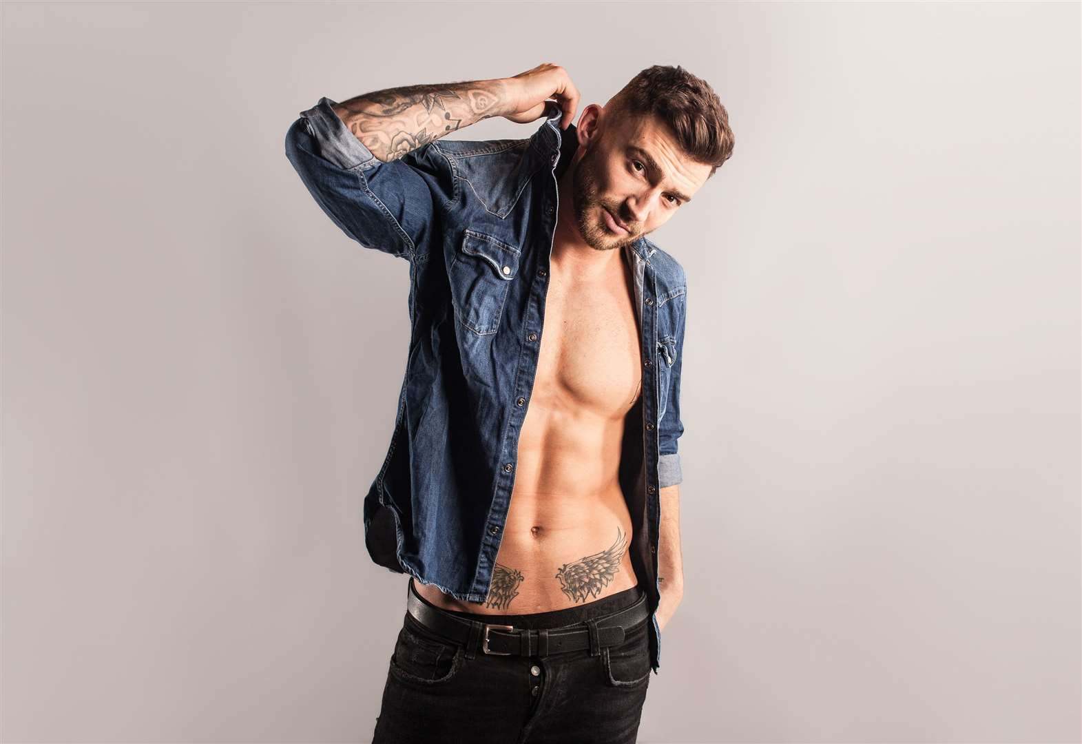 It's Jake Quickenden! Oh, yes it is!