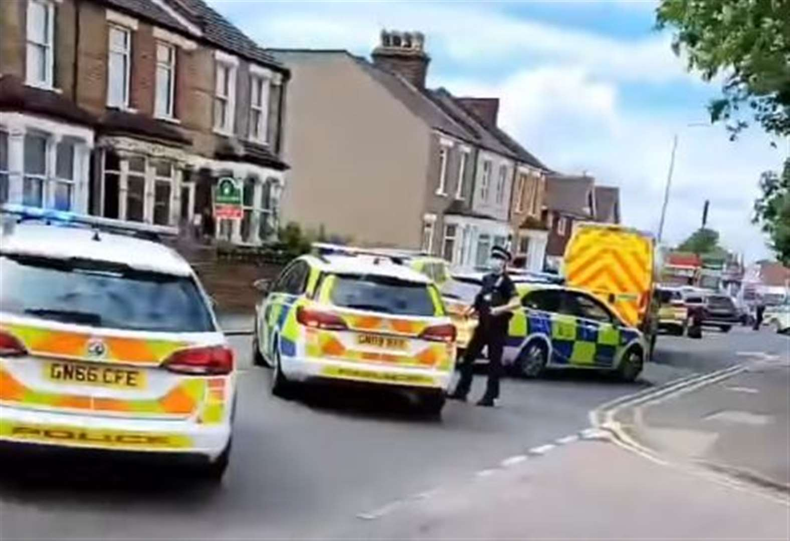 Armed police spotted near pub