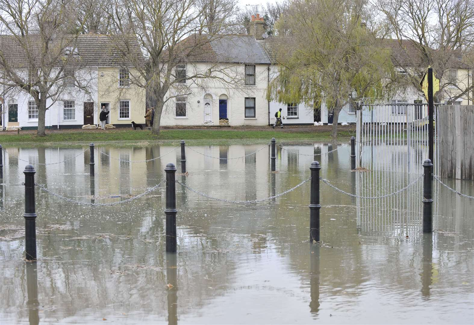 Flood defences to be strengthened