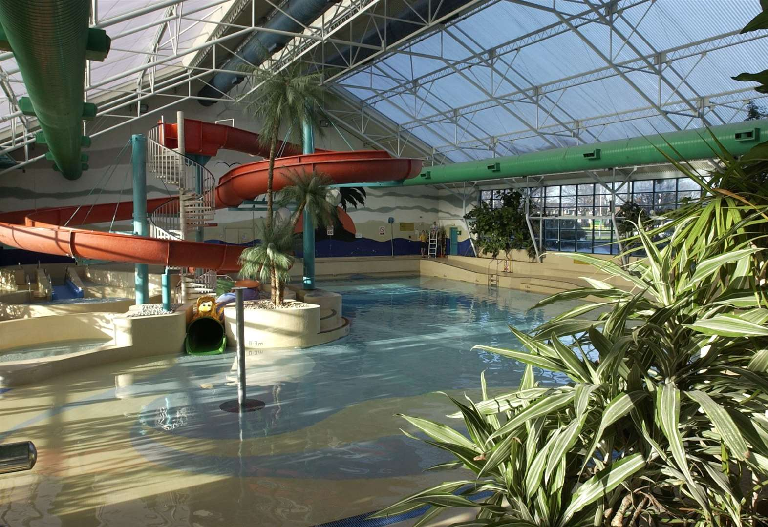 Pool to be demolished for £26m centre