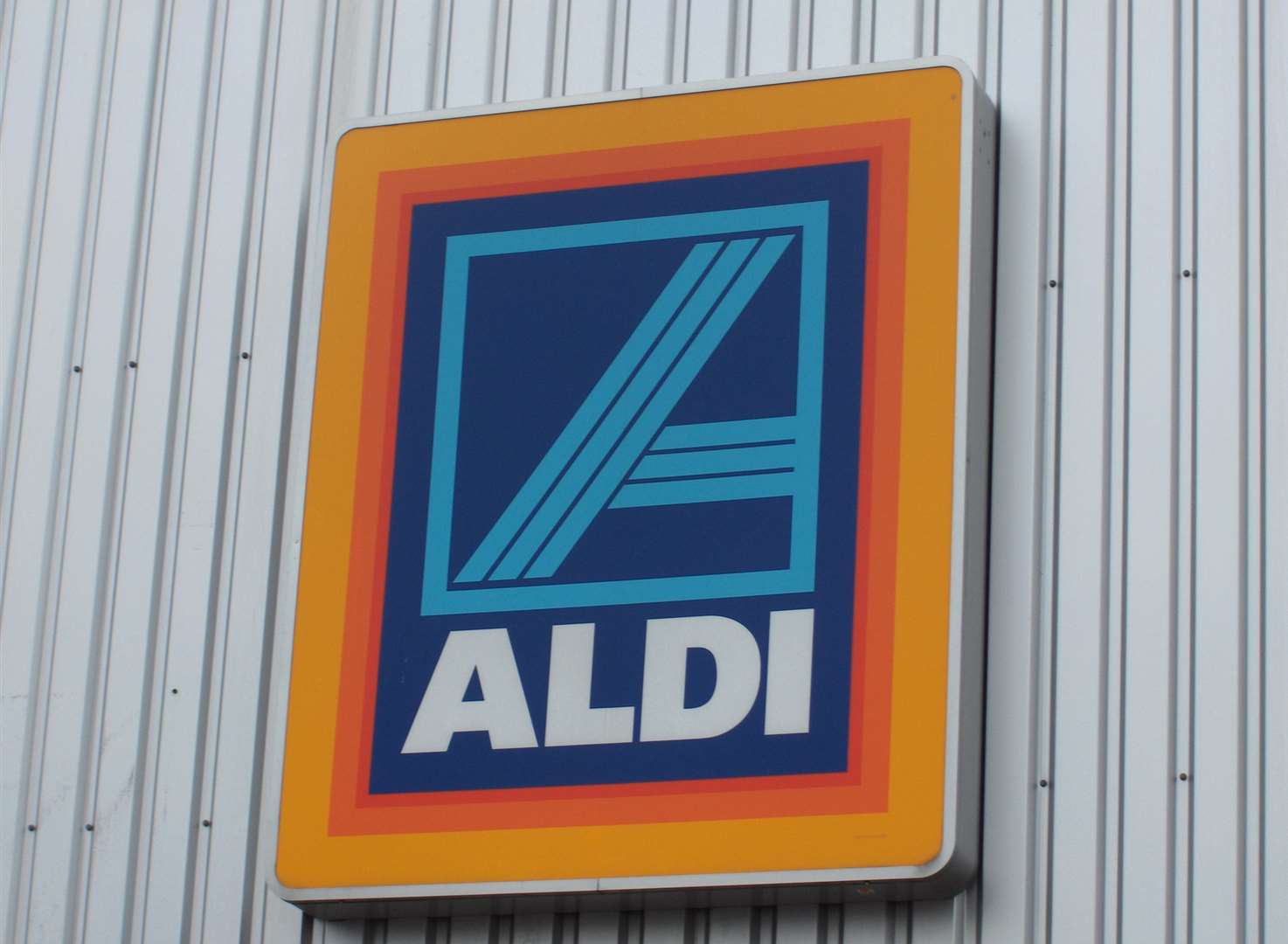 Aldi hunts for apprentices