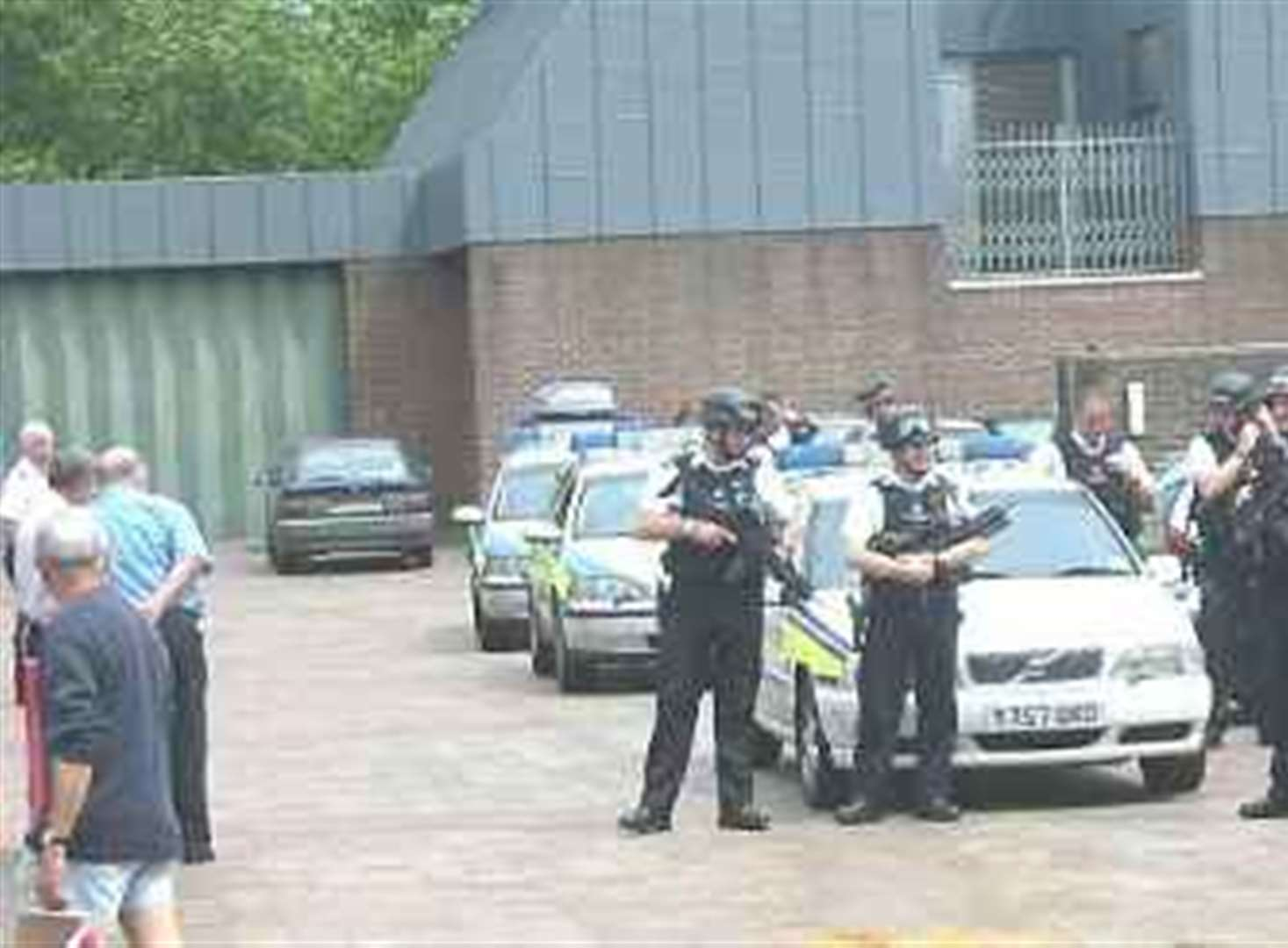 Armed hijack prompts alert at crown court