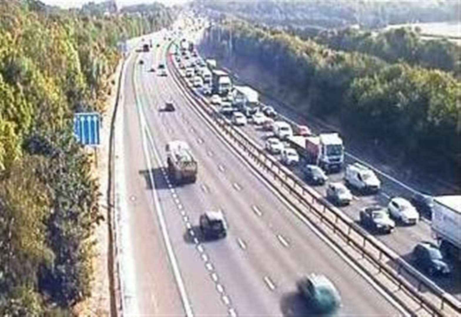 Crash causes delays on M25