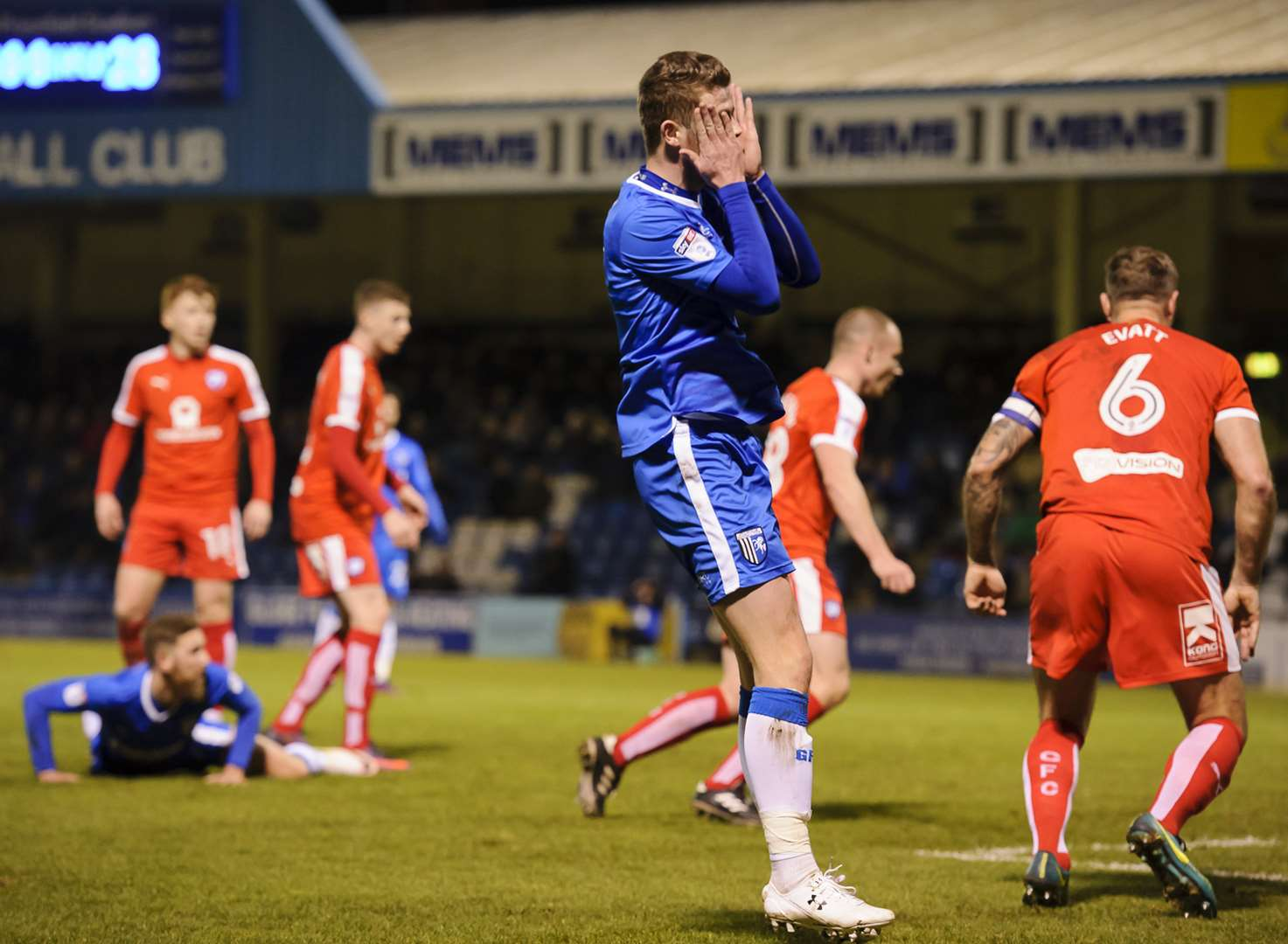 Top 10 Gills v Chesterfield pictures