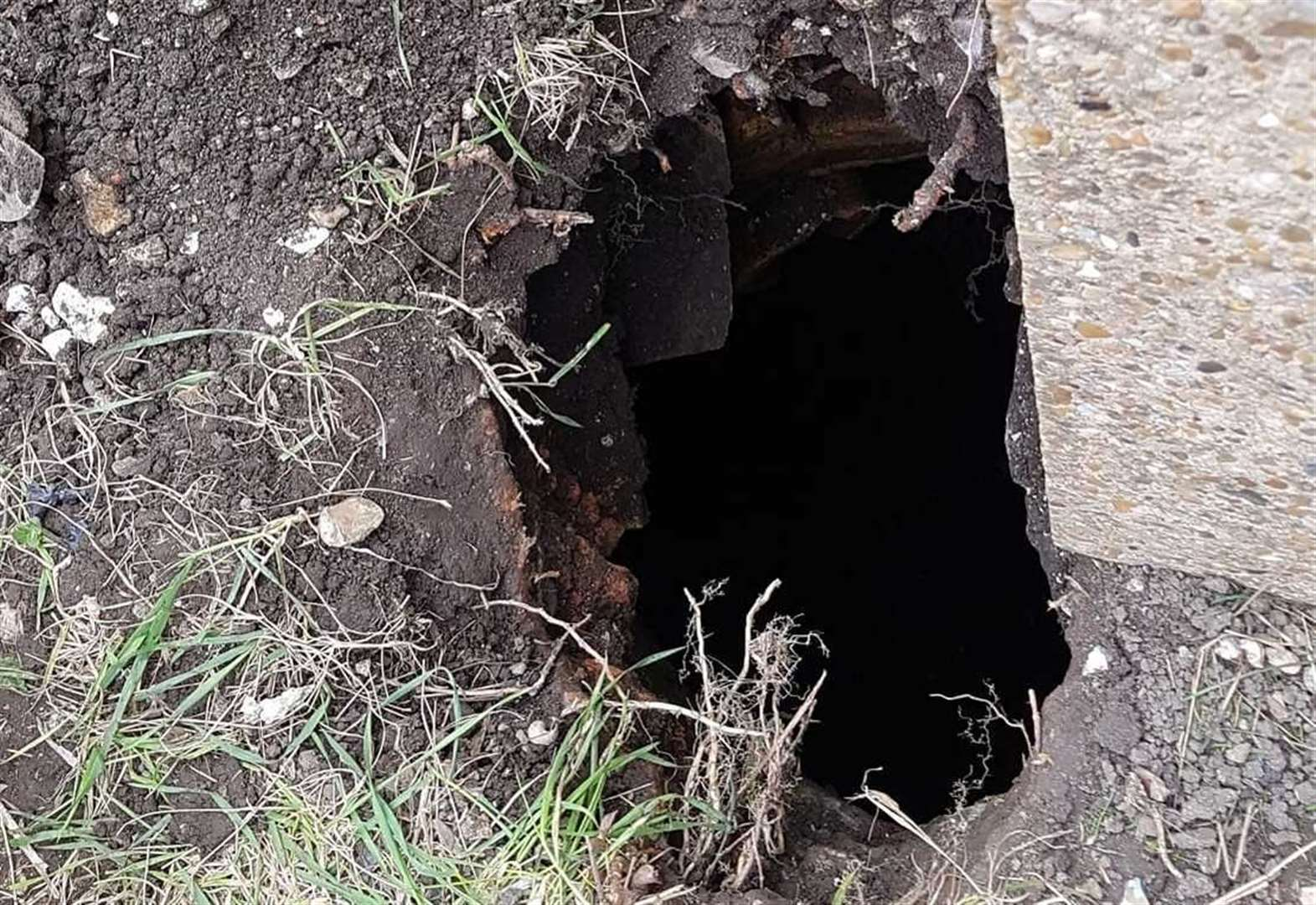 Mum finds 30ft hole beneath garden