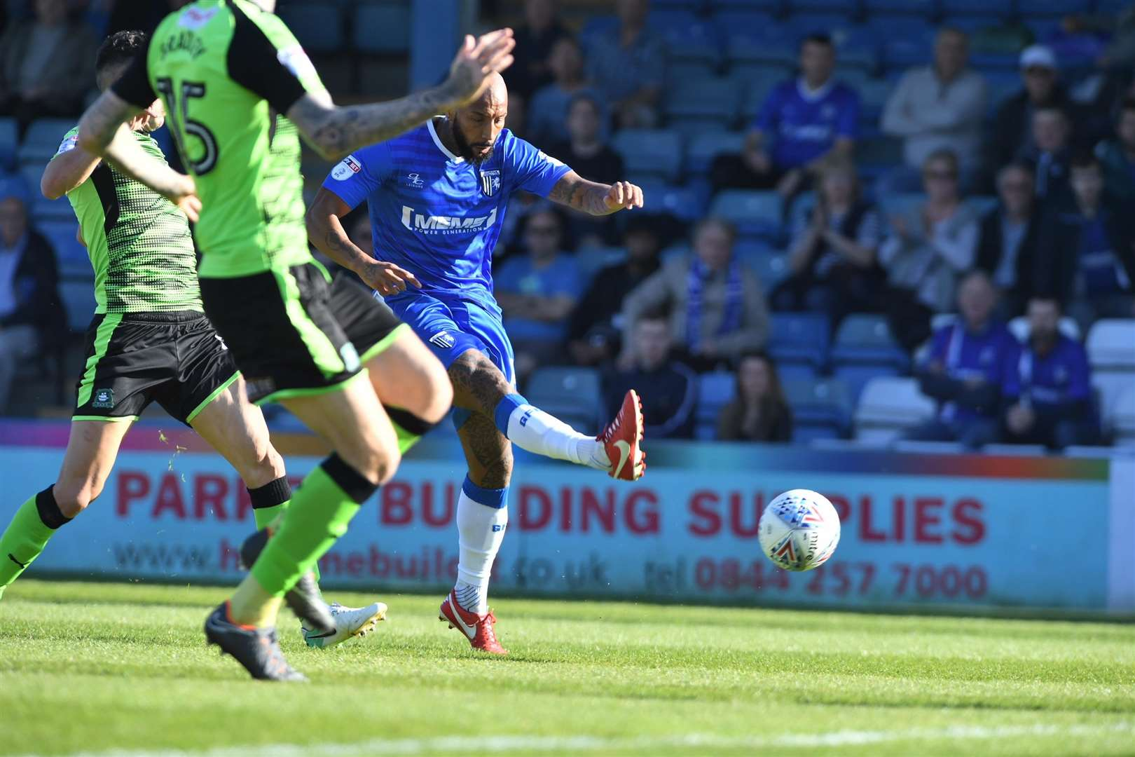 Josh Parker puts the Gills ahead Picture: Andy Payton (1860936)