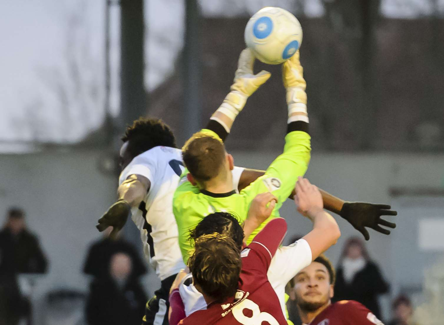 Duane Ofori-Acheampong puts Chelmsford keeper Ross Fitzsimons under pressure Pic Andy Payton