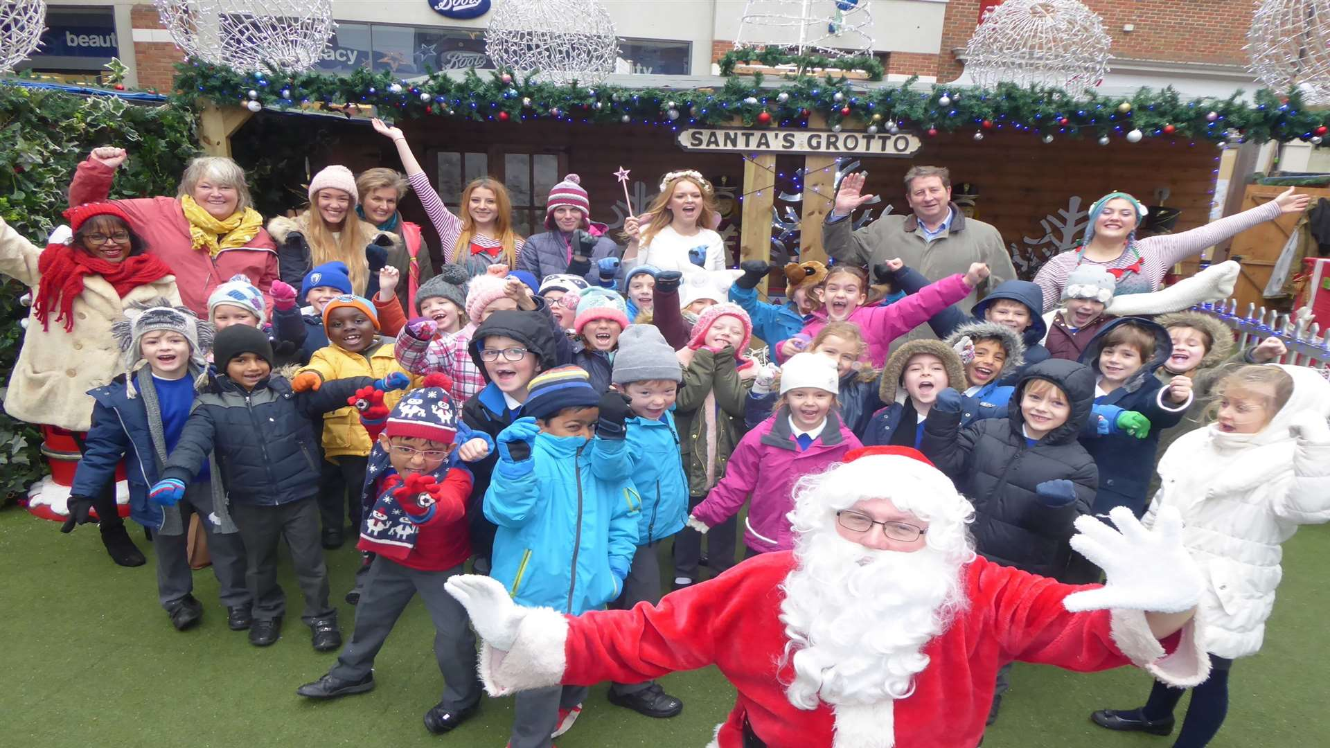 Yellow Class from Bridge and Patrixbourne CE Primary School won a trip to see Santa at Whitefriars in Canterbury.