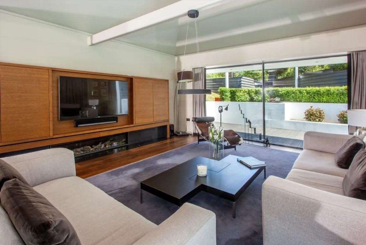 There is underfloor heating throughout. Picture: Zoopla / Knight Frank