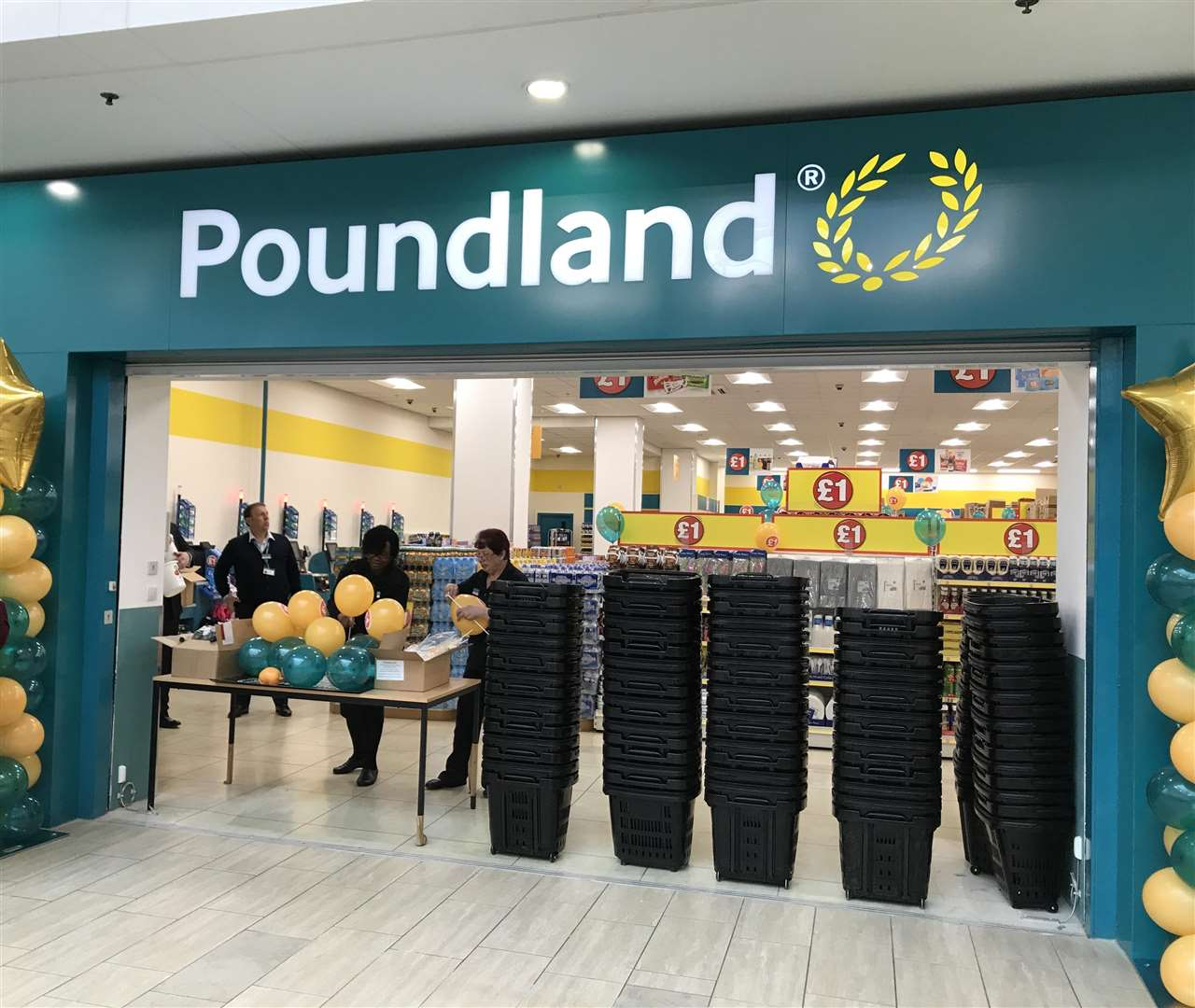 The new Poundland has officially opened (1652536)