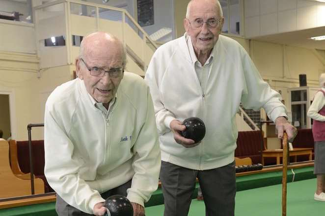 Age is no barrier for Britain's oldest bowlers, Jack Pike and Lionel Pout