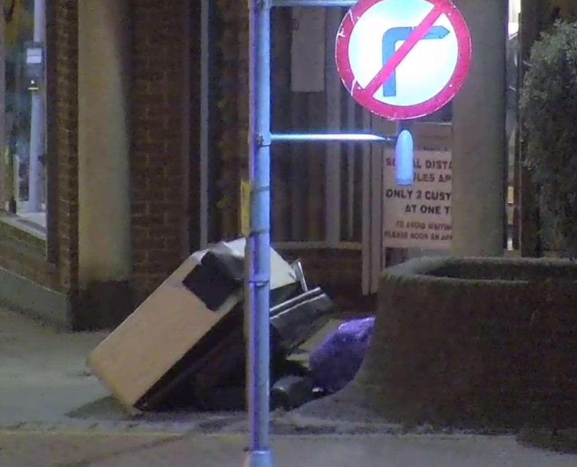 The footage showed the men dumping the rubbish on the corner of High Street and Bank Street