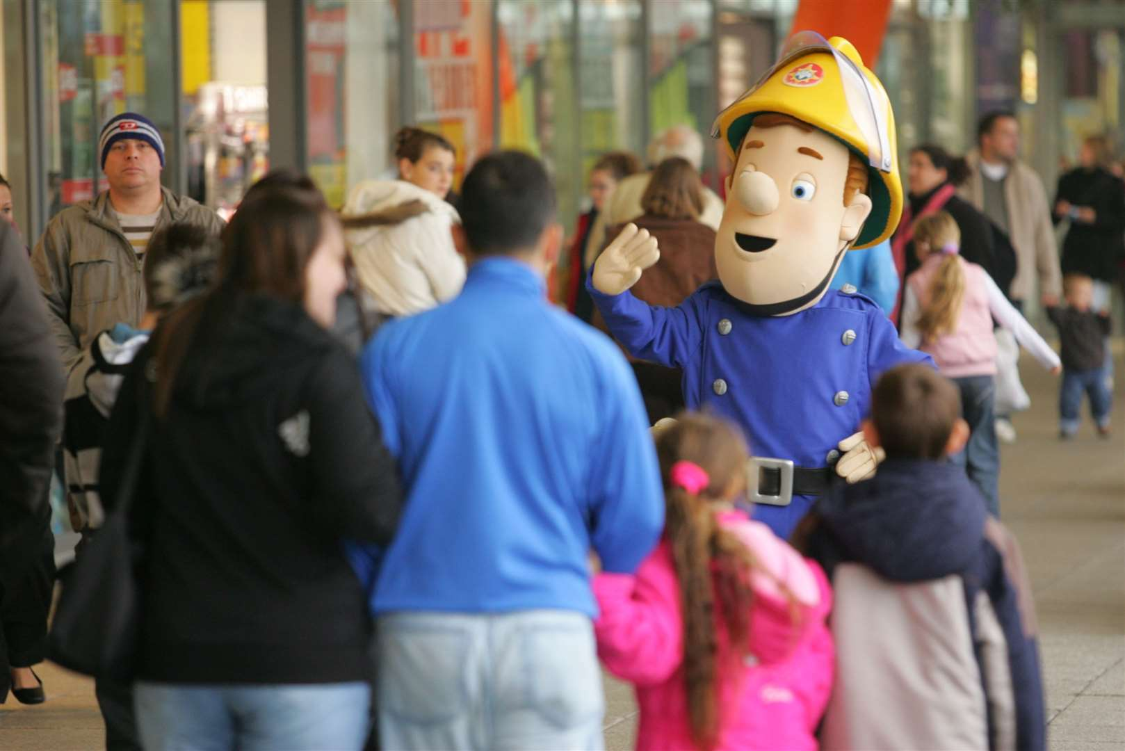 Fireman Sam meets the shoppers in 2007