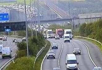 Queues after M2 crash - Medway news - NewsLocker
