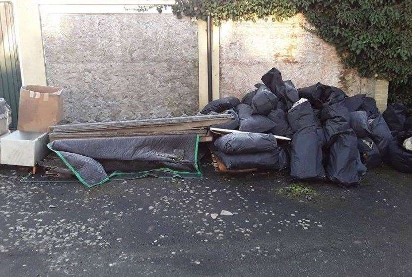 Asbestos Dumped Near Homes In Bybrook Road Kennington In