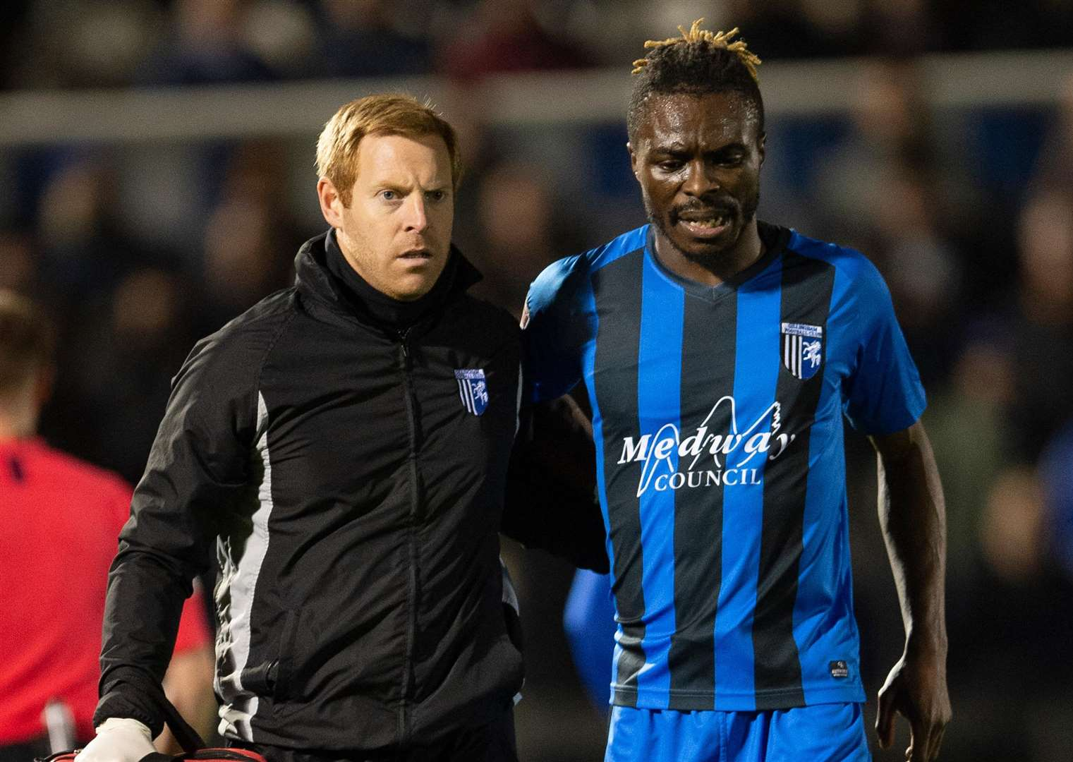 Gabriel Zakuani's night ends early after a back injury Picture: Ady Kerry