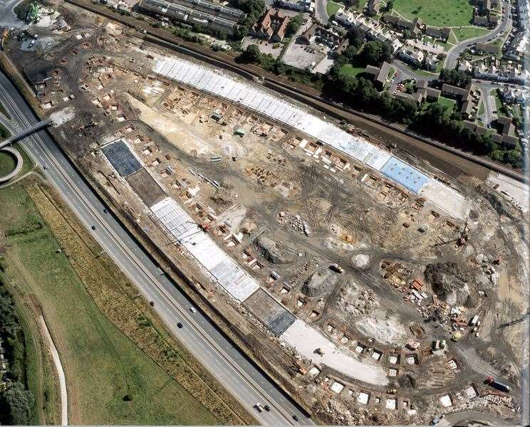 Construction of the Ashford Designer Outlet. Copyright: City Press Services Ltd
