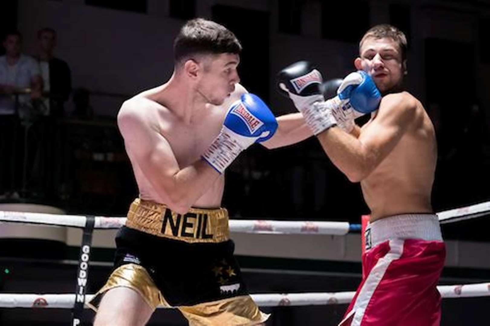 Neil Parry fighting Teodor Boyadjiev in September 2018. Goodwin Boxing. Picture: Simon Downing