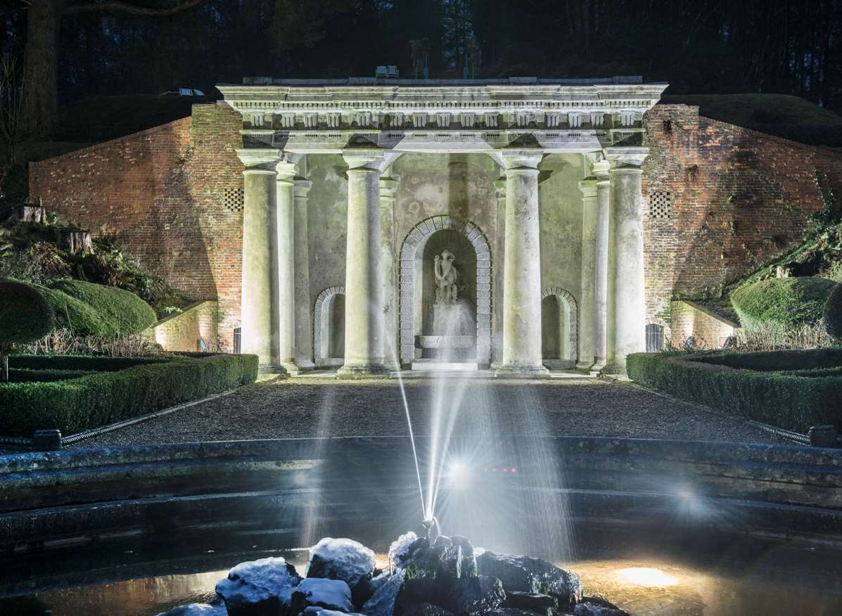 At De Vere Wotton House, modern styling, sophisticated heritage, Roman temples and impressive Italian gardens come together to provide the perfect setting for a weekend retreat