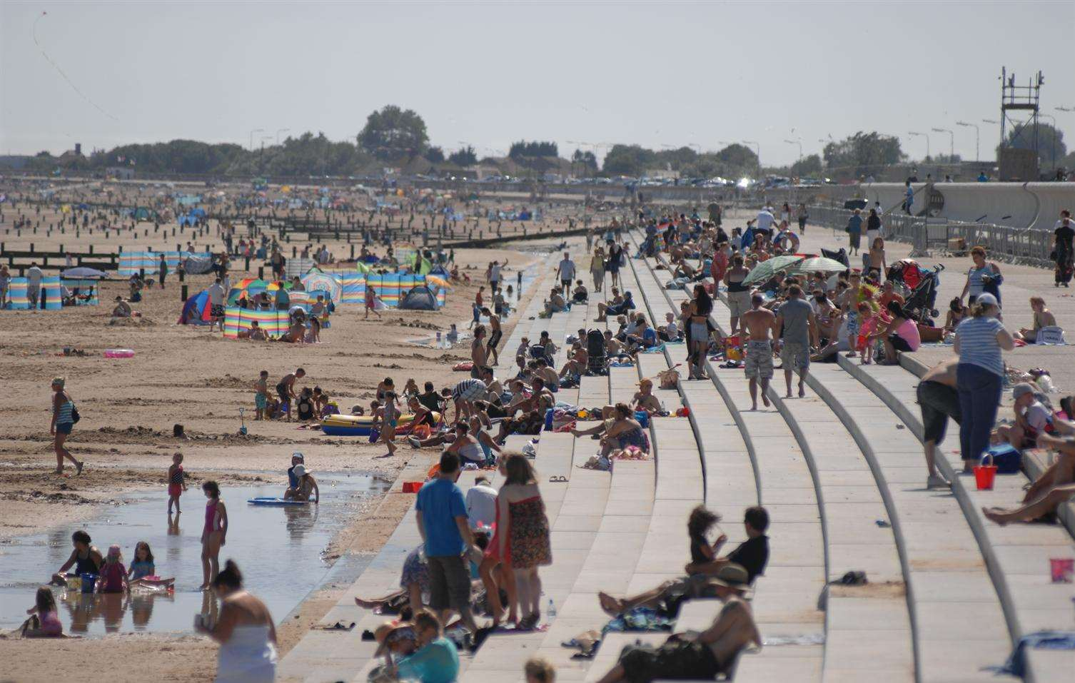 Medical experts have warned people to stay hydrated on the beach in Kent, such as at Dymchurch