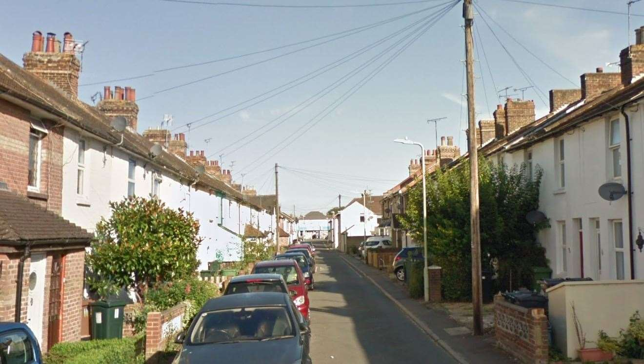 The animal was found dead in an alleyway off Whitfield Road in Ashford (15013860)