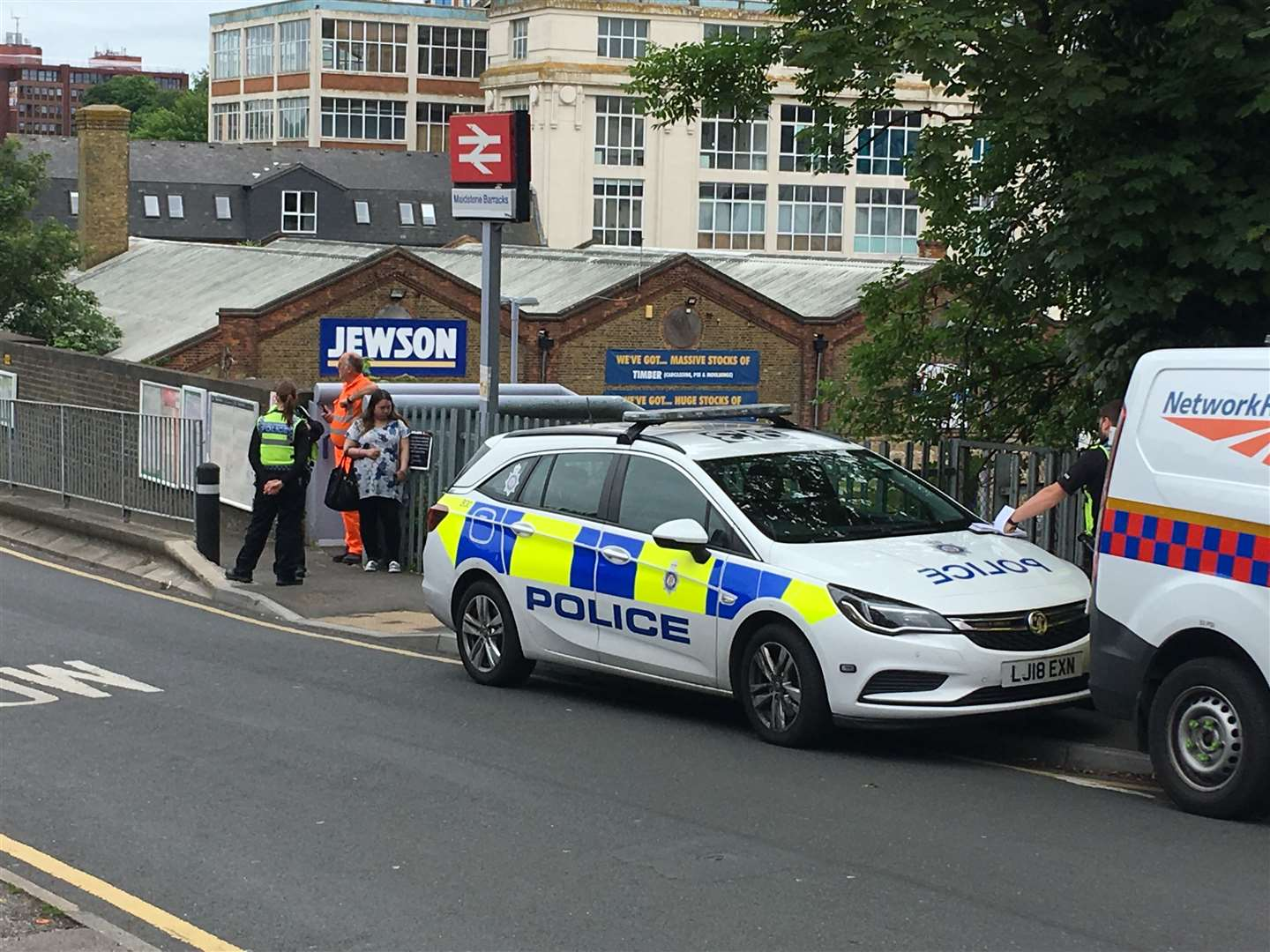 Police and a Network Rail response vehicle are at the station (11524047)